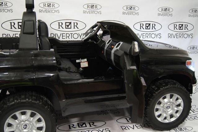 Электромобиль Toyota Tundra (двухместный, колеса резина, кресло кожа, музыка)